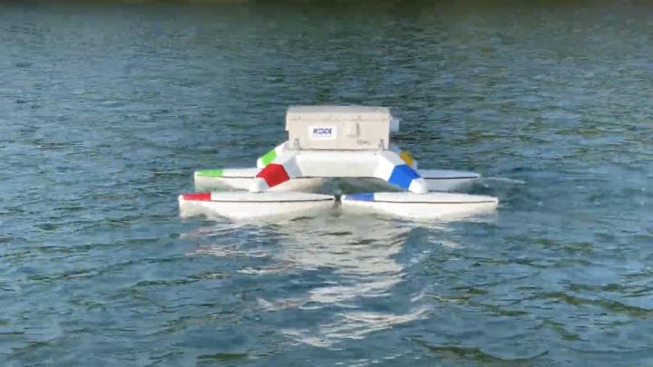 Drone flutuante movido à células de hidrogênio